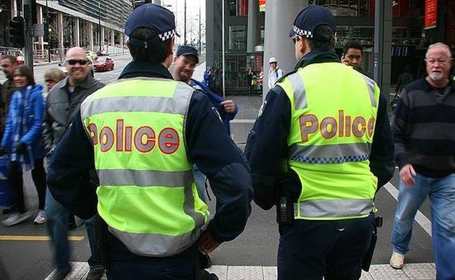 aparat kepolisian di australia brisbanetimes.com .au  - Otoritas Queensland menyusun RUU Perlindungan Hukum Bagi Polisi Dari Gugatan Perdata