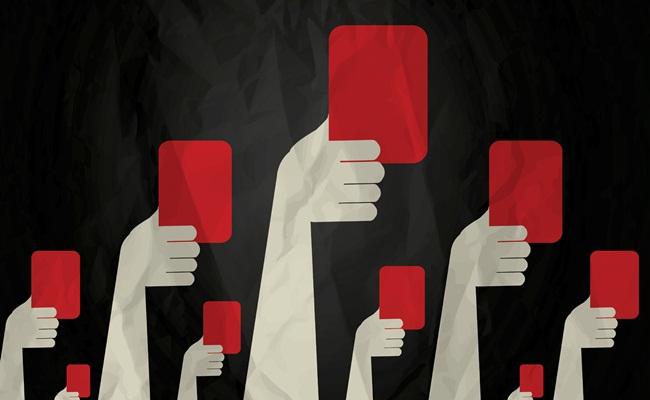 """kartu merah openeurope.org .uk  - """"Kartu Merah"""" Pengadilan Barcelona Untuk Pelanggaran Kontrak Kerja Karyawan"""