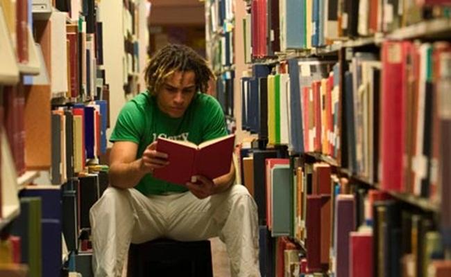 profil mahasiswa fakultas hukum theguardian.com  - 10 Hal Yang Patut Diketahui Sebelum Menempuh Studi Hukum