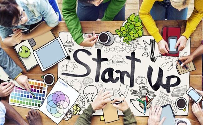 """startup linkedin.com  - Legal Professional dan Startup """"Seperti Biduk Dikayuh Hilir"""""""