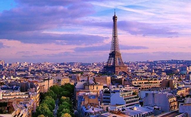 "Perancis sedang mengobarkan penolakan terhadap bisnis Amazon photo parisattitude.com  - Sedang Hangat ""Hukum Anti Amazon"" di Perancis"