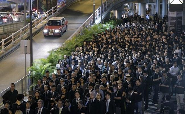 Demonstrasi pengacara di Hongkong menentang pemerintah Tiongkok Kin Cheung AP - Pengacara di Hongkong Protes Terhadap Intervensi Pemerintah Tiongkok
