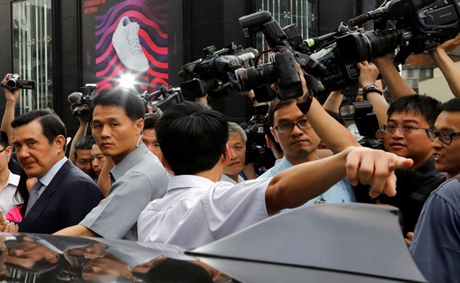 Ma Ying jeou Reuters - Hukuman Penjara 4 Bulan Bagi Mantan Presiden Taiwan, Karena Membuka Rahasia Negara