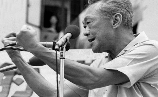 Lee Kuan Yew straitstimes.com  - Sekelumit Kisah Sukses Alumni Fakultas Hukum Dari Asia