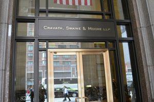 Associates di Firma Hukum Cravath, Swaine & Moore Lebih Besar Pendapatannya Daripada Partner di Firma Hukum Lain