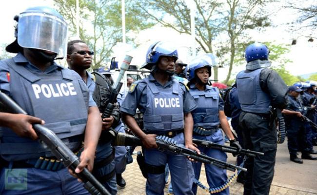 Polisi Afrika Selatan thepeninsulaqatar.com  - [Afrika Selatan] Peringkat Bawah Soal Penegakan Hukum