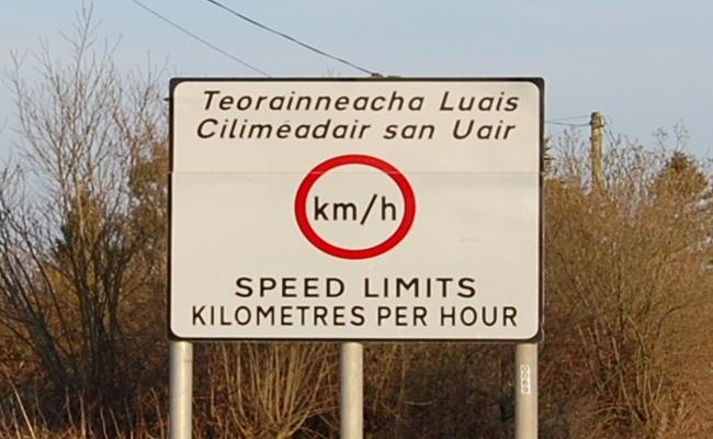 [Irlandia] : Ngebut di Jalan Raya, Pangkal Denda