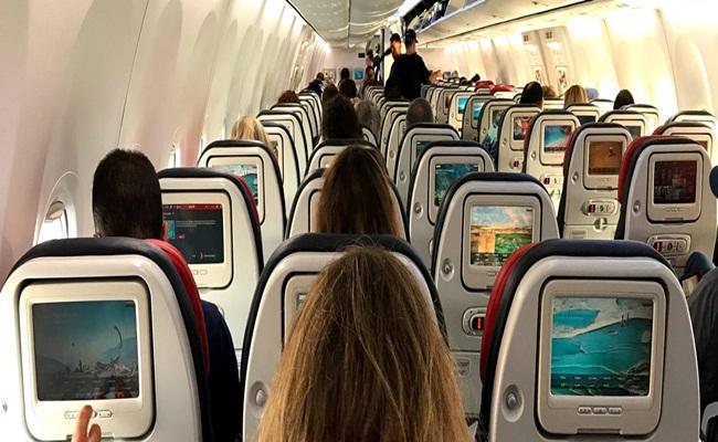 Ilustrasi smartertravel.com  - [Amerika Serikat] Senat Menyetujui Regulasi Untuk Mengatur Ukuran Kursi Pesawat Terbang