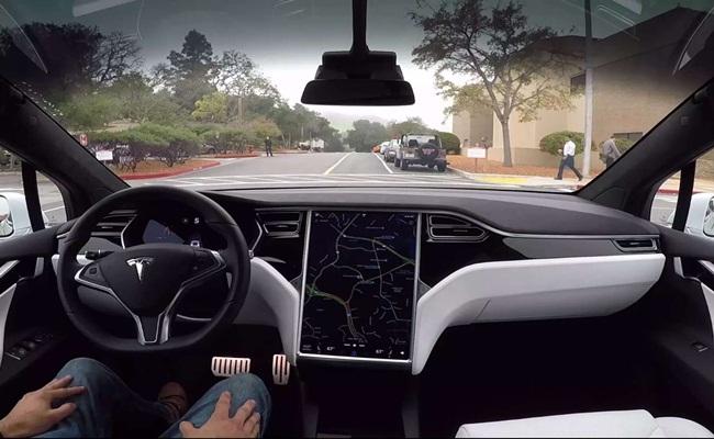 Tesla Tesla.com  - [Eropa] Pembatasan Fitur Autopilot Terkait Regulasi UN-ECE