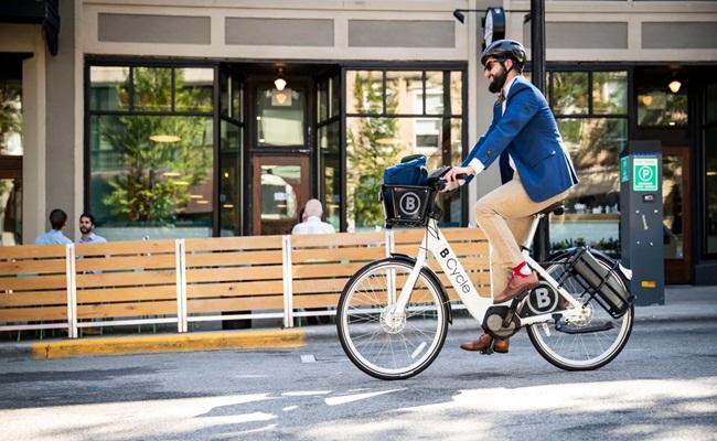 Ilustrasi Istimewa 2 - [Amerika Serikat] Mengayuh Regulasi Sepeda Elektrik